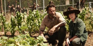 Chandler Riggs (rechts) in The Walking Dead