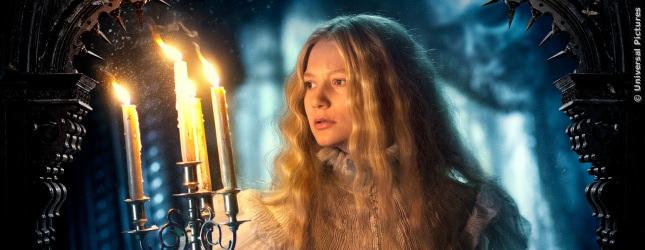 Mia Wasikowska als zarte Schönheit Edith Cushing.