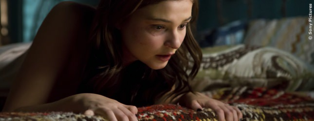 Quinn sucht Kontakt zu ihrer toten Mutter...