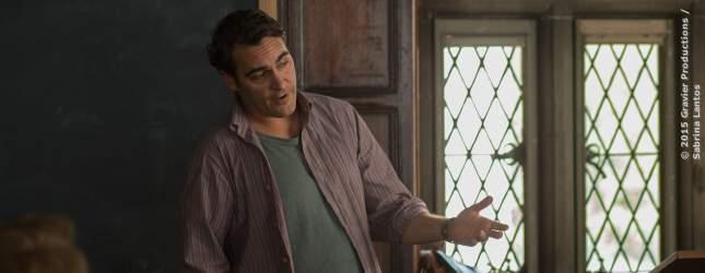 Abe (Joaquin Phoenix) unterrichtet seine neuen Studenten.
