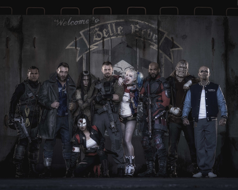 ADAM BEACH als Slipknot, JAI COURTNEY als Captain Boomerang, CARA DELEVINGNE als Enchantress,  KAREN FUKUHARA als Kitana, JOEL KINNAMAN als Rick Flag, MARGOT ROBBIE als Harley Quinn, WILL SMITH als Deadshot, ADEWALE AKINNUOYE-AGBAJE als Killer Croc und JAY HERNANDEZ als El Diablo.