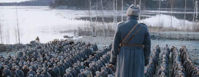 Der finnische Befehlshaber stimmte seine Soldaten ein.