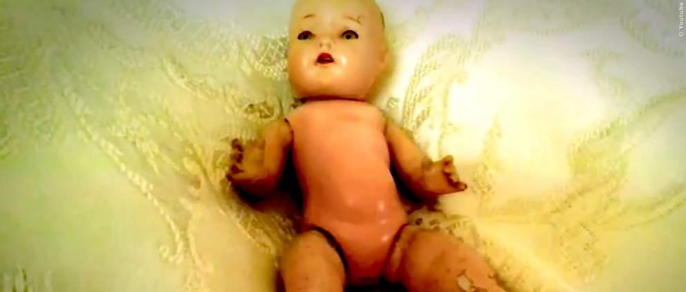 VIDEO: Gruselige Puppen bewegen sich von allein