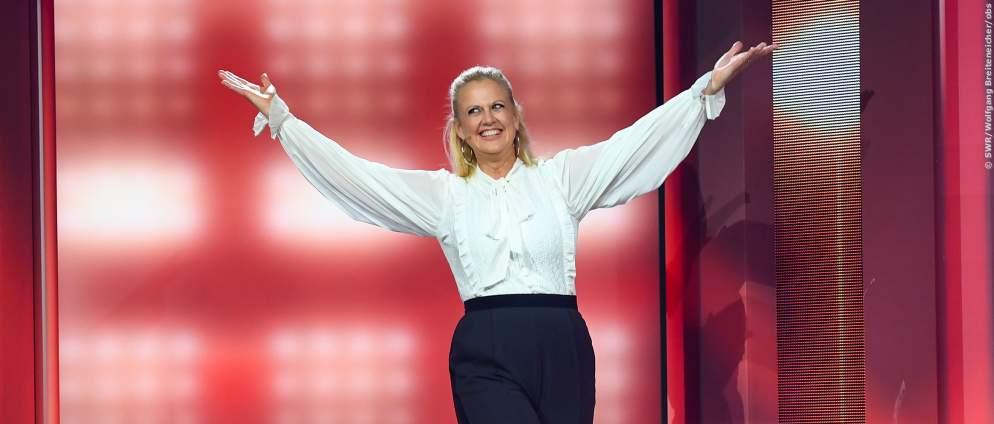 Barbara Schöneberger & endlich wieder echte Promis beim Deutschen Fernsehpreis 2021