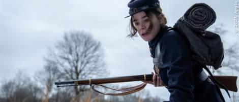 """Trailer zum Finale der Apple-Serie """"Dickinson"""" zeigt großes Drama - News 2021"""