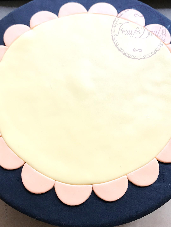 Coco: Anleitung für die Torte zum Film - DIY - Bild 12 von 21