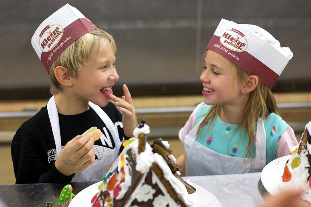 RTL-Serien-Stars: Weihnachts-Aktion für Kinder - Bild 3 von 7