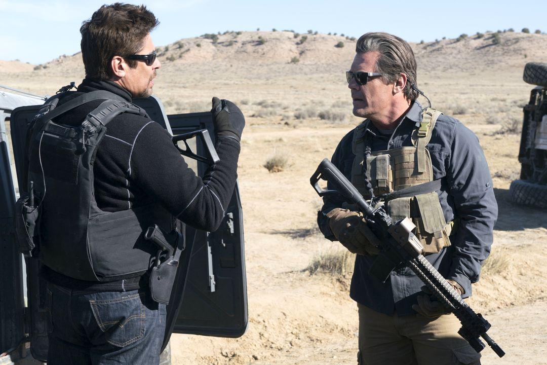 Benicio Del Toro im Haupttrailer zu Sicario 2 - Bild 1 von 6