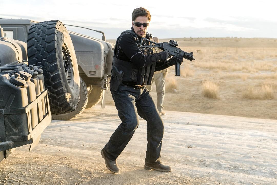 Benicio Del Toro im Haupttrailer zu Sicario 2 - Bild 4 von 6