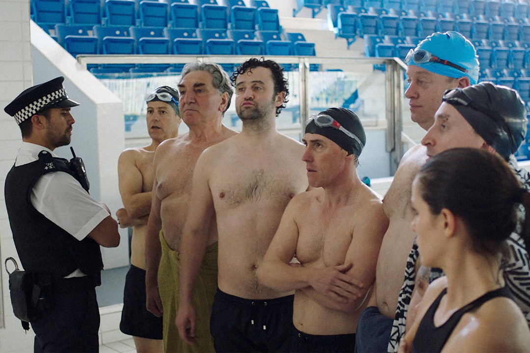 Swimming With  Men - Bild 7 von 7