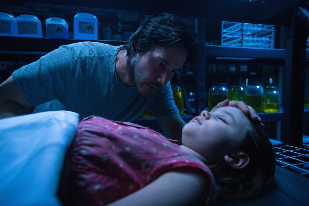 Keanu Reeves: Sci-Fi Thriller von den Transformers-Machern - Bild 1 von 11
