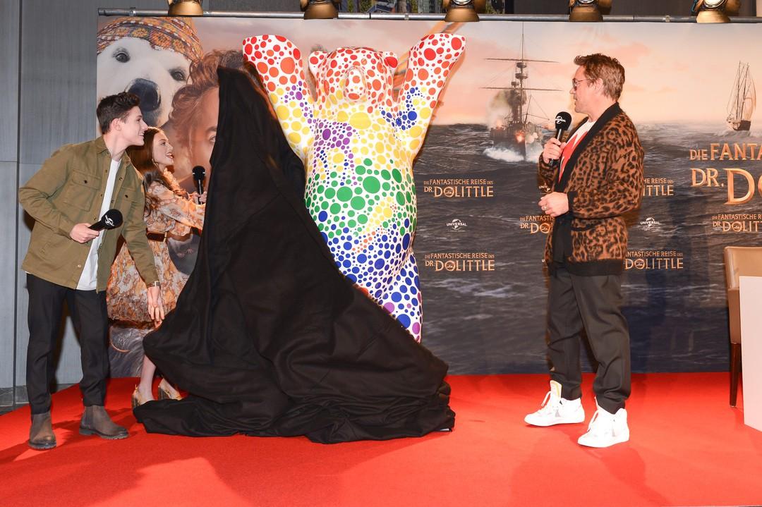 Robert Downey Jr. zu Gast in Berlin - Video der Premiere - Bild 1 von 8