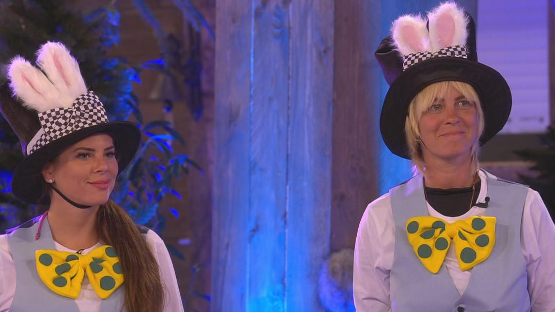Promi Big Brother Folge 3: Simone möchte keine Spielerfrau sein - Bild 1 von 35